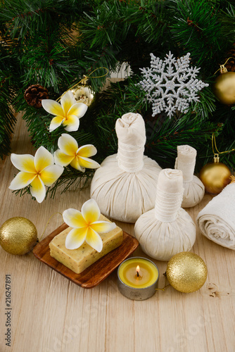 Foto op Aluminium Spa Christmas spa with Composition of spa treatment and wooden background