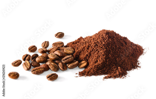 Foto Pile of Ground coffee and coffee beans on white background