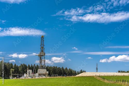 Fotografia  Geothermie in Bayern bohrt in 5000 Meter Tiefe nach heißem Wasser