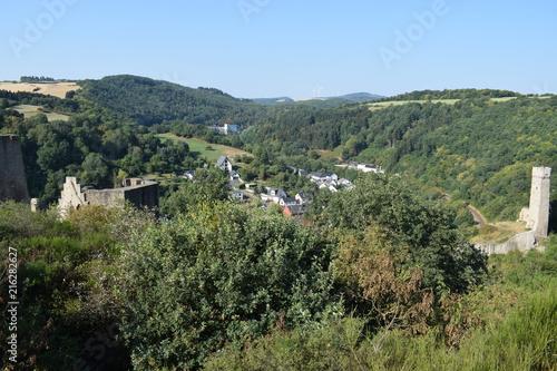 Spoed Foto op Canvas Khaki Monreal in der Eifel