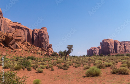 Tuinposter Arizona Stone cliffs and the desert of the Southwest of the USA. Monument Valley, Arizona