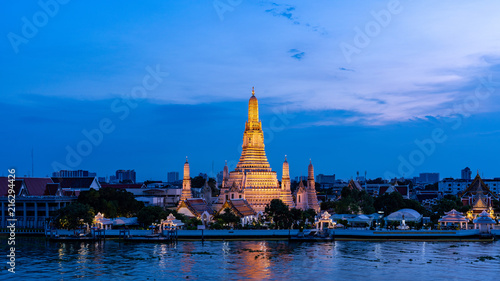 Deurstickers Bangkok Wat Arun temple at Magic Hour Time, Bangkok, Thailand
