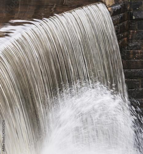 Keuken foto achterwand Verenigde Staten Water falling twice at dam