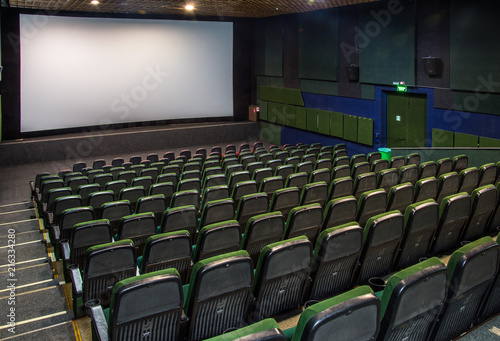 Spoed Foto op Canvas Theater Old hall in the cinema with rows of seats