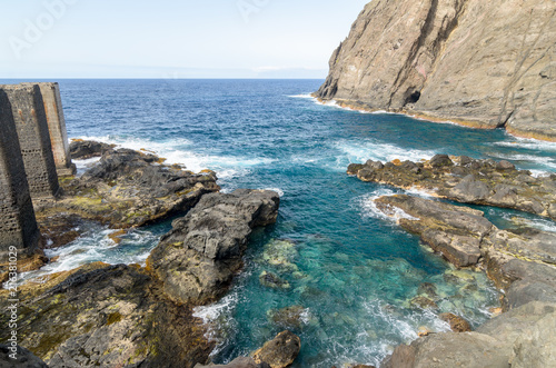 Tuinposter Canarische Eilanden Clear water in La Gomera island, canary islands