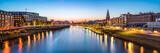 Bremen skyline Panorama bei Nacht mit Blick über die Weser