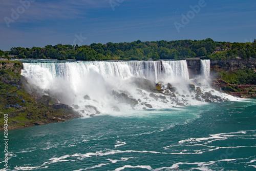 Fototapeten Wasserfalle Niagara Falls rushing waters