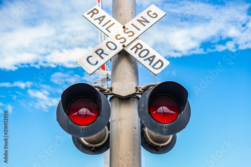 Canvastavla Railroad crossing sign with light signal