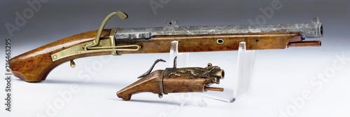 Valokuva  Japanese and Chinese Marchlock Pistols.