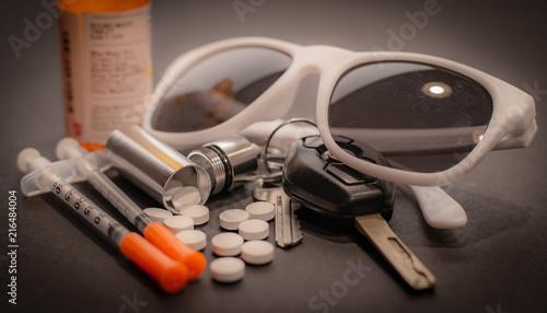 Valokuvatapetti Drugs, Car keys, and Sunglasses