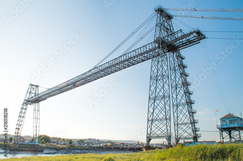 Fotomural transporter bridge