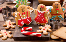 Homemade Gingerbread Cookies W...