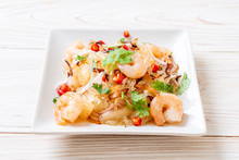 Pamelo Spicy Salad With Shrimp...
