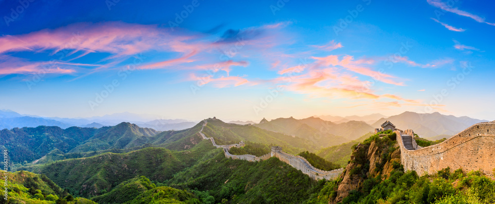 Fotografie, Obraz The Great Wall of China at sunrise,panoramic view