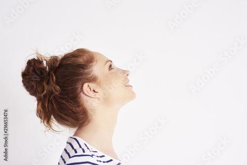Fotografía  Side view of woman's face at studio shot