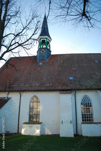 Spoed Foto op Canvas Noordzee St. Clemens Kirche Büsum 15.Jh , auch Fischerkirche genannt
