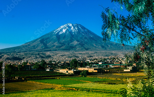 Fotobehang Groen blauw Volcan Misti, Arquipa - Peru