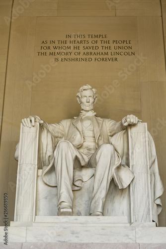 Photo  Statue of AbrahamLincoln