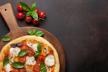 Italian Pizza With Tomatoes, M...