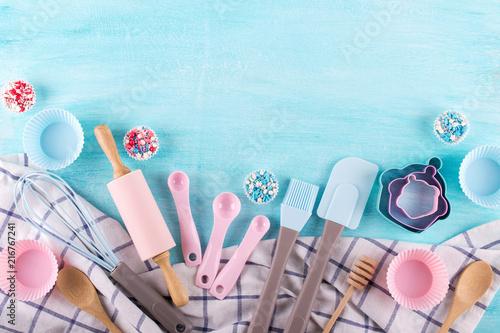 Photographie Various kitchen baking utensils