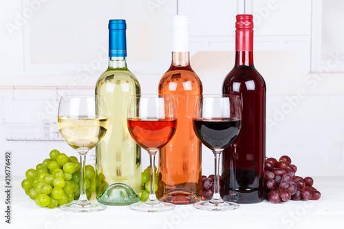 Fototapeta Collection of white rose red wine many wines grapes obraz na płótnie