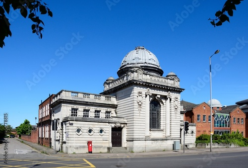 Front view of the Magistrates Court in Horninglow Street, Burton upon Trent, UK Canvas-taulu