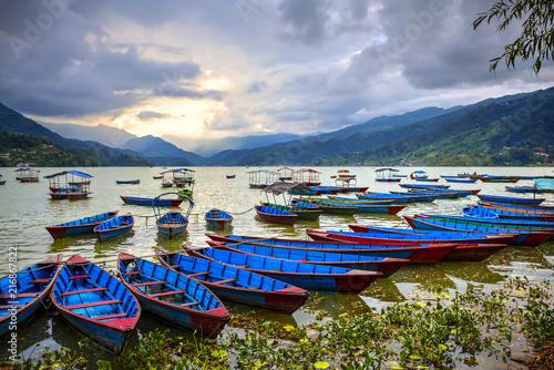 Foto op Canvas Nepal Phewa Lake, Pokhara, Nepal
