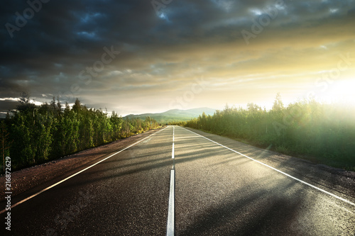 Photo sur Toile Beige road in north mountains