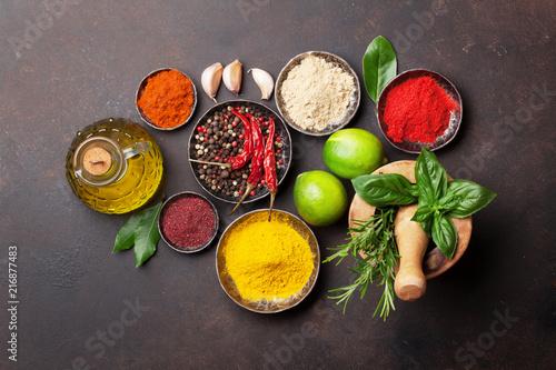 Fotobehang Aromatische Various spices and herbs