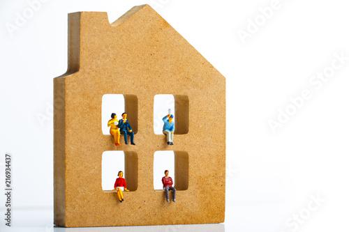 Leinwand Poster 住宅模型とミニチュアの人々