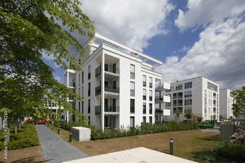 Fototapeta Moderner Wohnungsbau in Frankfurt Riedberg obraz na płótnie