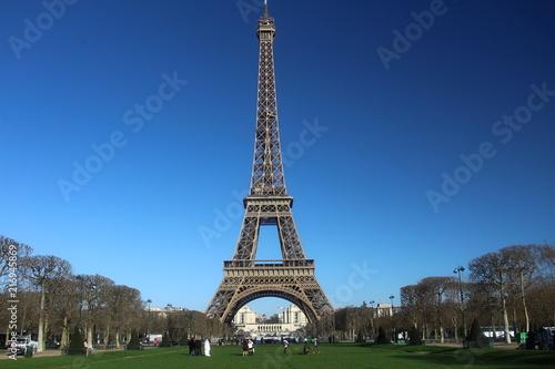 Staande foto Parijs eiffel tower