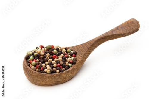 Foto op Plexiglas Aromatische Pepper mix seed on spoon on white background.