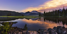 Sparks Lake Is A Popular Recreational Area In Deschutes National Forest, Central Oregon.