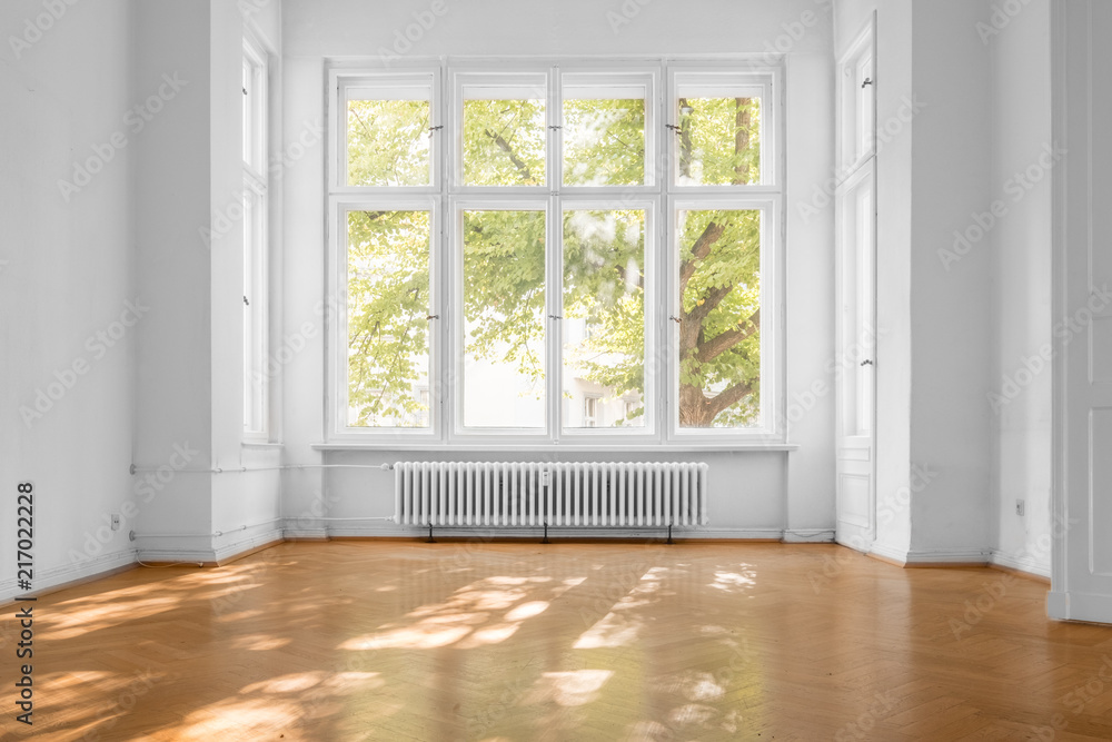 window in empty room, old apartment building with  parquet floor  - obrazy, fototapety, plakaty
