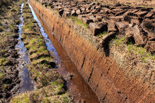 Cutted Peat For Whisky Distill...