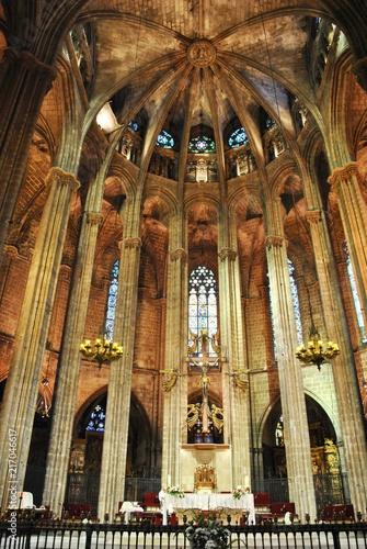Fototapeta Wnętrze gotyckiej katedry obraz