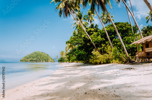 Tuinposter Tropical strand Tropical island beach landscape, El-Nido, Palawan, Philippines