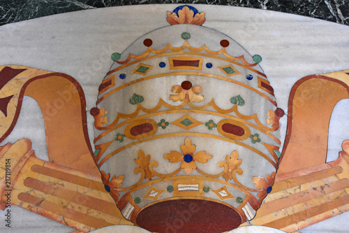фотография Italy, Rome, basilica of San Giovanni in Laterano, inlaid floor in the entrance hall, view and details