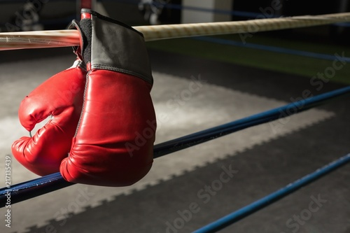 Deurstickers Vechtsport Boxing gloves on the boxing ring