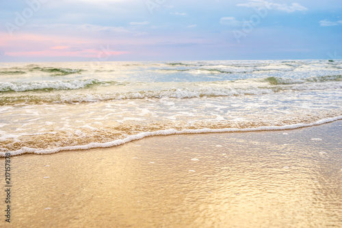 Staande foto Strand sand beach with wave bubble ripple