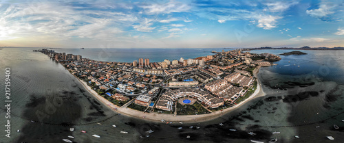 Fotografía Panoramic photo of La Manga del Mar Menor sand-bank, apartments and buildings, M