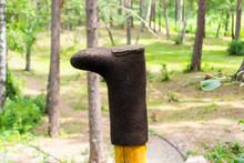 The Old Black Felt Boots Stret...