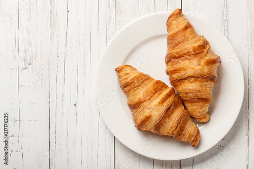Carta da parati Fresh croissants on a plate