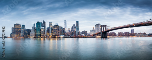Photo sur Aluminium New York New York city sunset panorama