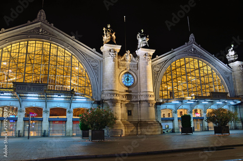 Papiers peints Gares Tours train station in France