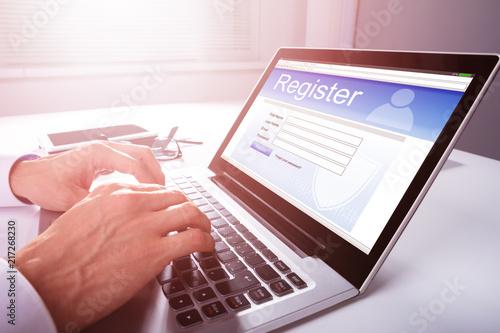 Fotografía  Businessman Filling Online Registration Form