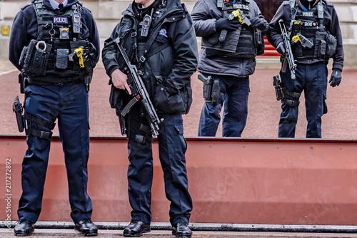 Fotografía london armed police