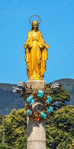 Fotografie, Obraz  Goldene Madonna im Hafen von Luino