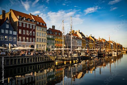 Vászonkép  Nyhavn at golden hour (Copenhagen, Denmark)